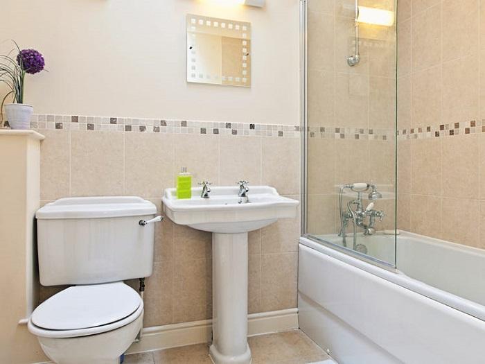 closet kamar mandi