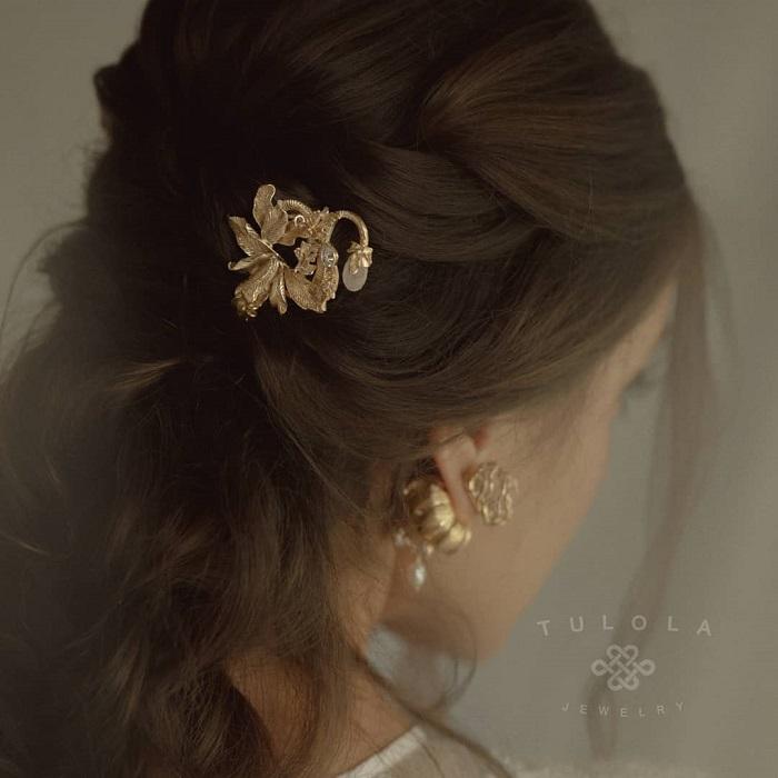 perhiasan pernikahan lokal