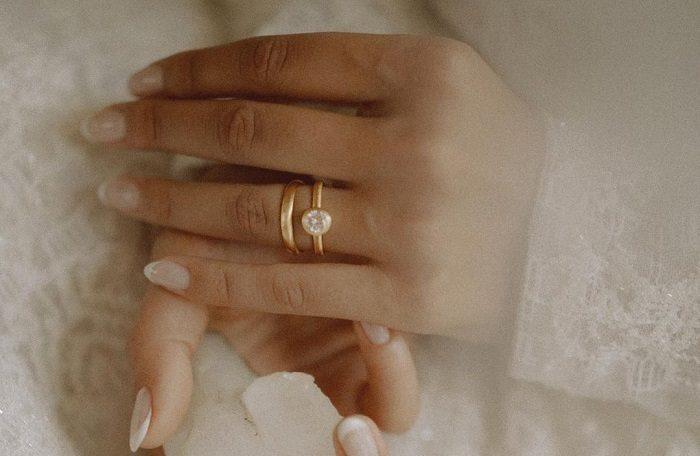 perhiasan pernikahan