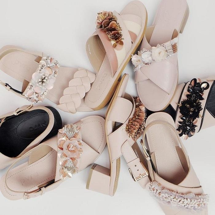 sandal manik perhiasan