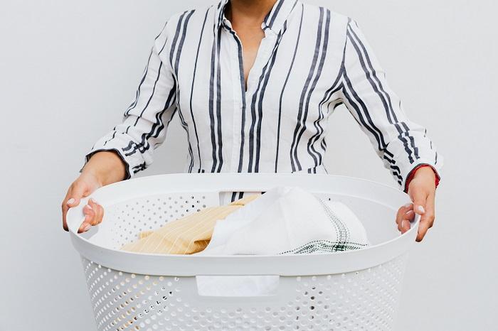 mencuci pakaian covid-19