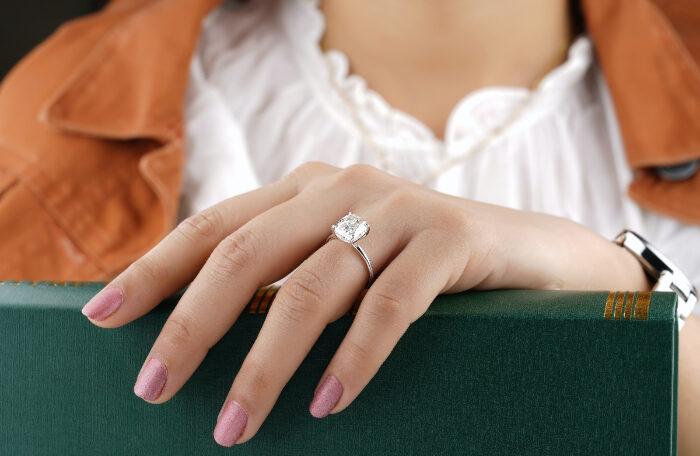 karat pada perhiasan berlian
